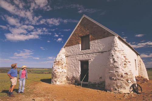"The ""Oakabella"" Homestead barn<br>Credit: Tourism Western Australia"
