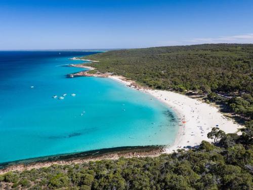 Meelup Beach, Dunsborough<br>Credit: Tourism Western Australia
