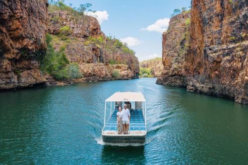 Boat cruise at Nitmiluk National Park Image Credit: Tourism NT/Backyard Bandits