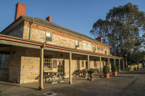 The Surveyor General Inn established in 1834.<br>Credit: Destination NSW