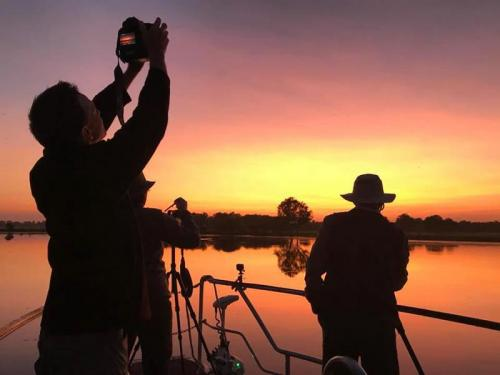 Billabong Sunrise<br>Credit: Luke Paterson, NT Bird Specialists
