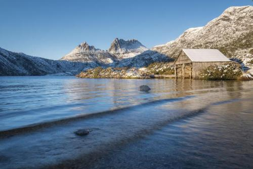 Dove Lake Boat Shed - Winter