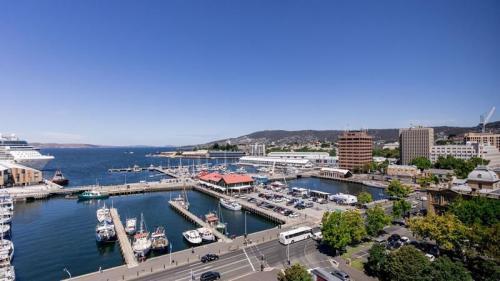 Hotel Grand Chancellor, Hobart - View
