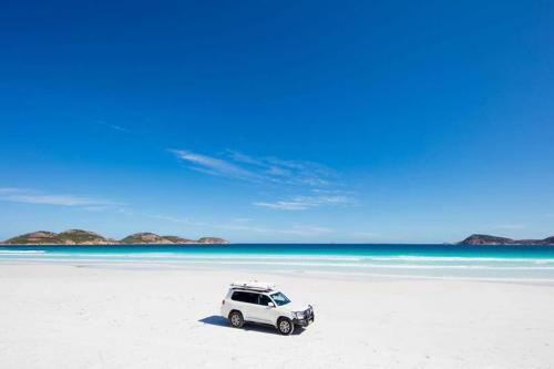 Lucky Bay 4WD on beach