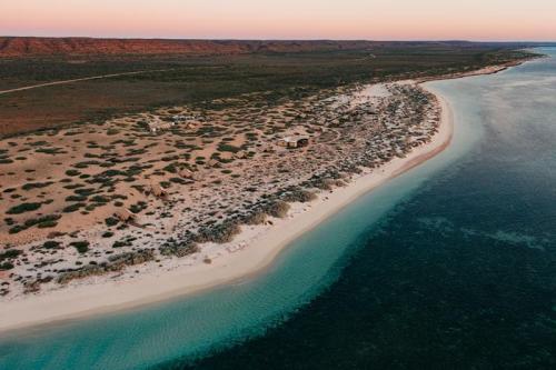 SS-Drone-camp-ningaloo reef [Image by Jarrad Seng]