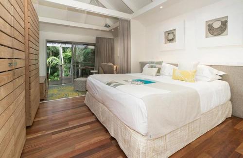 kentia suite bedroom