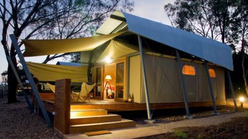 Zoofari Lodge - Animal view